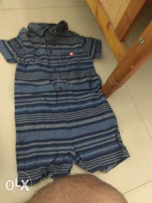 Half shirt romper for 6 to 12 months old baby.