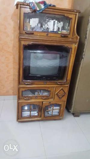TV AND SHOWCASE urgent sale call me at .7