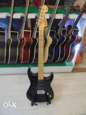 Washburn electric guitar(mint condition) 1year