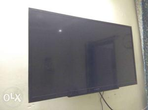 """1yr old full hd sony BRAVIA led tv 32"""" in new condition"""