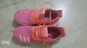 Adidas shoes UK 4. worn for less than a week.