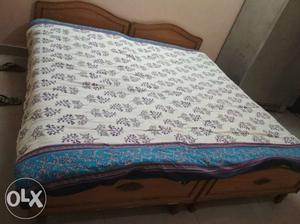 2 single beds in very good condition for sale