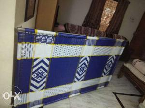 Almost new folding bed in a very gud condition