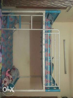 Bunkbed in good condition with 2 side tables and