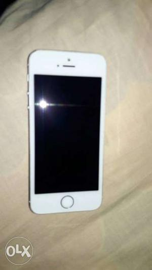 Iphone 5s 16 gb..neat and good condition..single