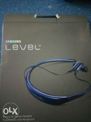 Black Samsung Level Stereo Headset Box