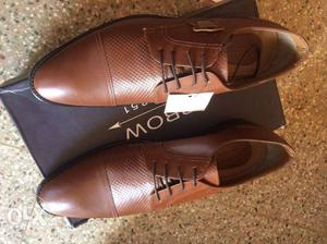 Hi branded shoes available for sale.for wholesale