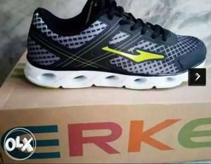 ERKE INTERNATIONAL Black And Grey Athletic Shoe MRP-