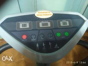 Black And Gray vibrating weight loss machine