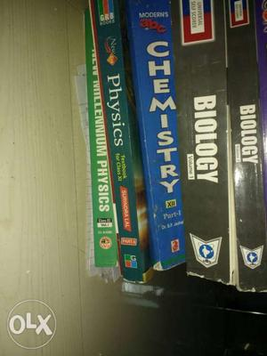 Medical books {PCB} and mtg magazines