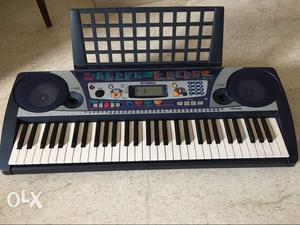 Yamaha synthesizer in excellent condition