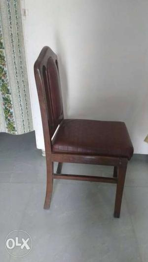 Set of 6 dining chairs of Rs. each..