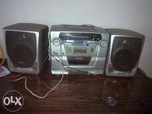 2 philips tape recorder (cd player+ radio) 3 in