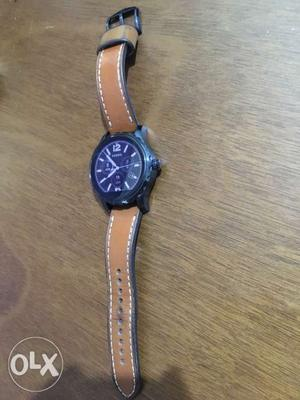 Fossil smart Watch With Brown Leather Strap+ new extra strap