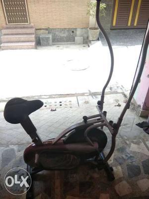 Excellent condition gym cycle in uttam nagar