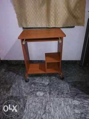 Brown Wooden Computer Table With Caster Wheels