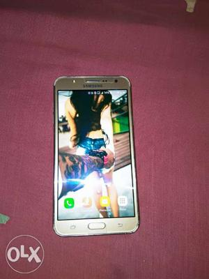 Samsung j7 bil nd charger very good condition