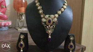 Elegant new jewelry sets at affordable prices.