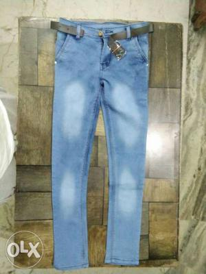 Fashionable jeans available, only at RS 149