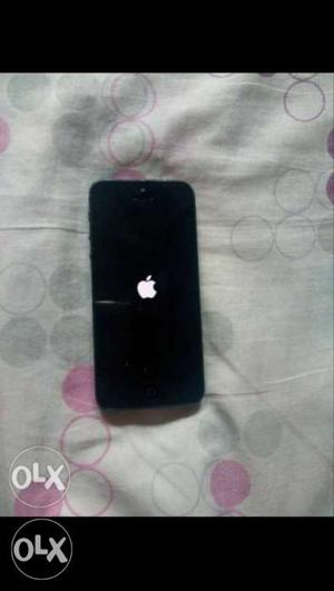 IPhone 5 grey 12 GB, only need to change battery.
