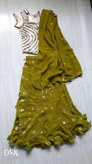 Never used beautiful lehenga for sale. Color: top