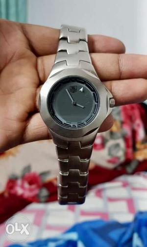 Watch 1.5 years old good condition with box and