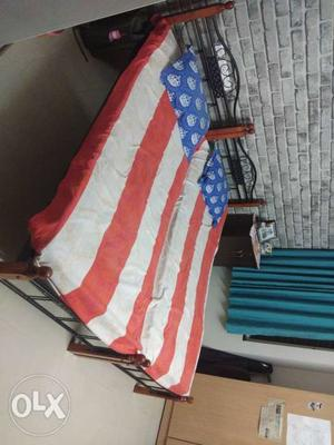 I want to sale 2 number bed of 3 by 6 feet iron rod with