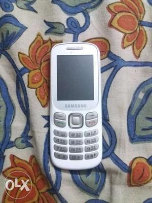Samsung b313e dual sim phone.single handedly used