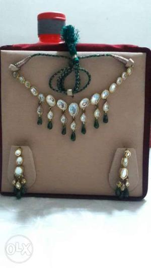 White and Green Kundan Set. Fashion Jewellery