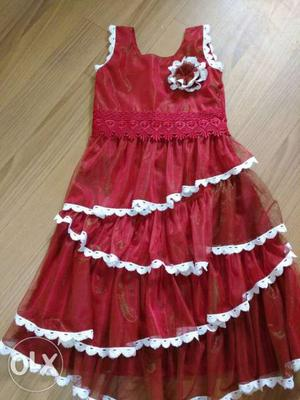 Red dresse for 5 to 6 years girl