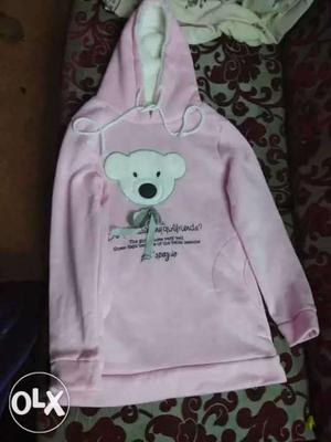 Sweatshirt for women with hoodies. Imported one..