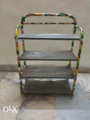 4 row shoe rack in perfect condition
