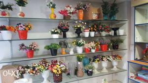 All type of gift items for sale at low price show