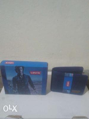 Brand new Levis denim jeans blue wallet for men