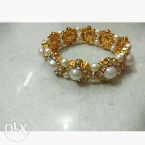 Women's Beaded White And Gold-colored Bangle