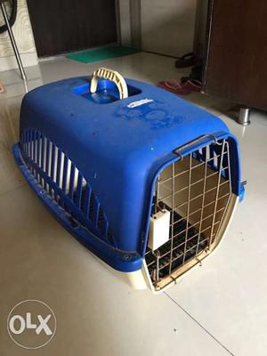 Cat / small dog carrier and scratch board for cat