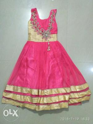 Beautiful party wear frock for 3 to 5 years girl.