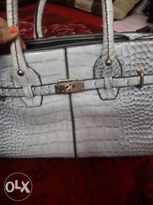Brand new bag only 300 urgent sale