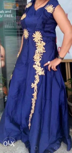 Light weight party wear evening gown