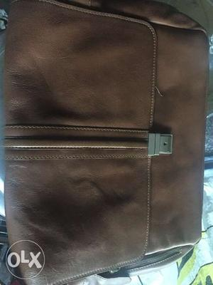 This hidesign messenger leather bag tan colour
