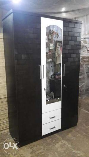 3 door wardrobe good condition