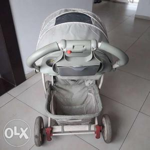 Graco stroller. strong wheels. comfortable for