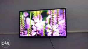 32 inch Sony smart full HD LED TV with internet connectivity