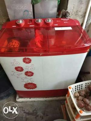 White And Red 2-in-1 Washing Machine