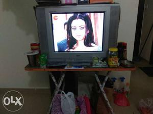 LG FLATRON TV with table