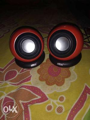 Two speaker black and red