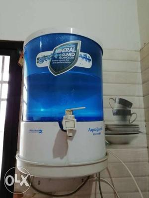 White And Blue Mineral Guard Water Purifier