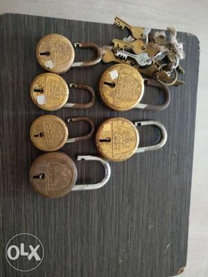 6 PCS branded lock & key in supermint condition