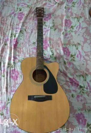 Yamaha FS100 acoustic guitar for sale.. This