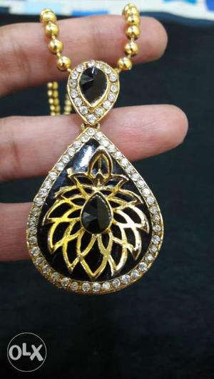Absolutely new Necklace with earrings with 1 gram
